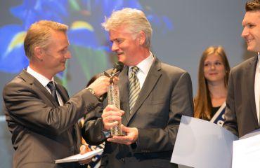 Award Pegasus in Bronze - journal OÖ Nachrichtenfor company and innovation LIFTKAR PTR tracked stairclimber