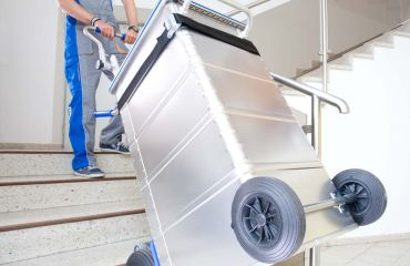 LIFTKAR SAL stairclimber with heavy cargo over stairs and level ground