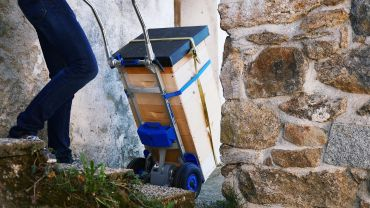Liftkar SAL stairclimber for bee-keeping