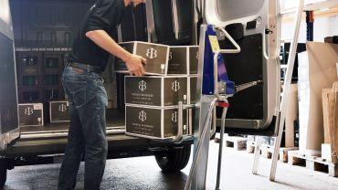 UNIKAR lifting handtruck – wine (in crates)